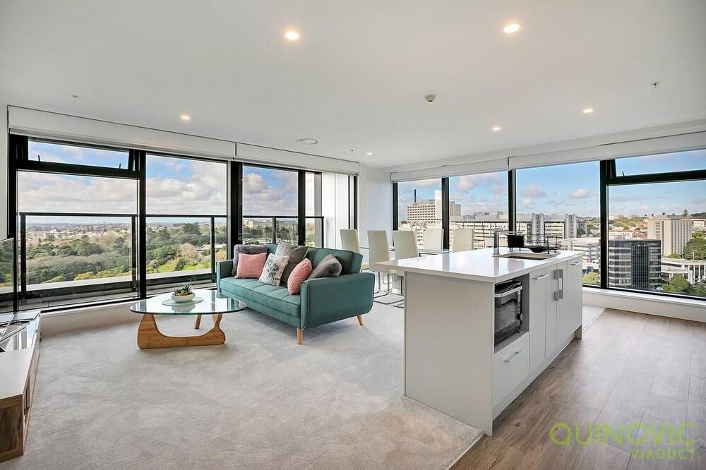 QV Stunning Hight Views Apartment 804