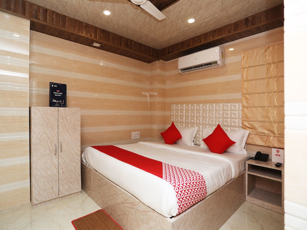 OYO 14373 Shree Krishna Hotel