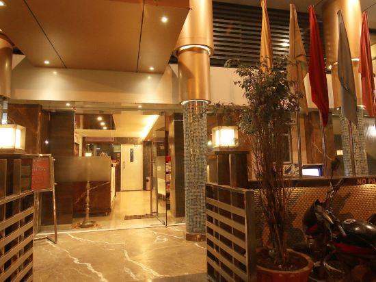 OYO 395 Hotel Vinamra Residency