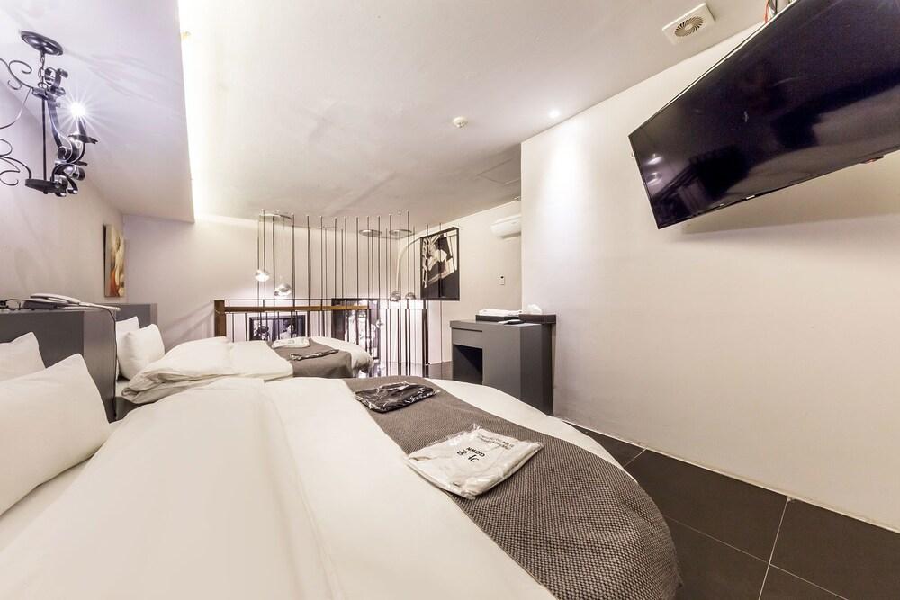 Gallery image of M Stylish Hotel
