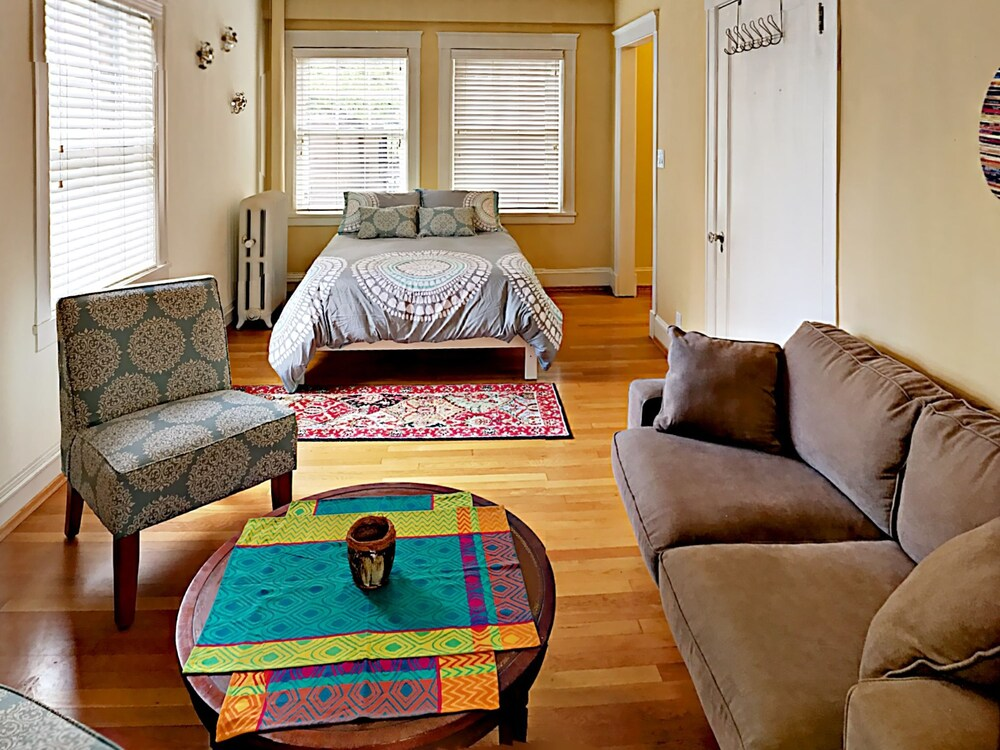2132 5th Ave Studio 1 Br condo by RedAwning