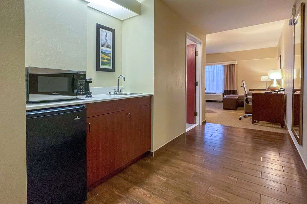 Gallery image of Comfort Suites near Penn State