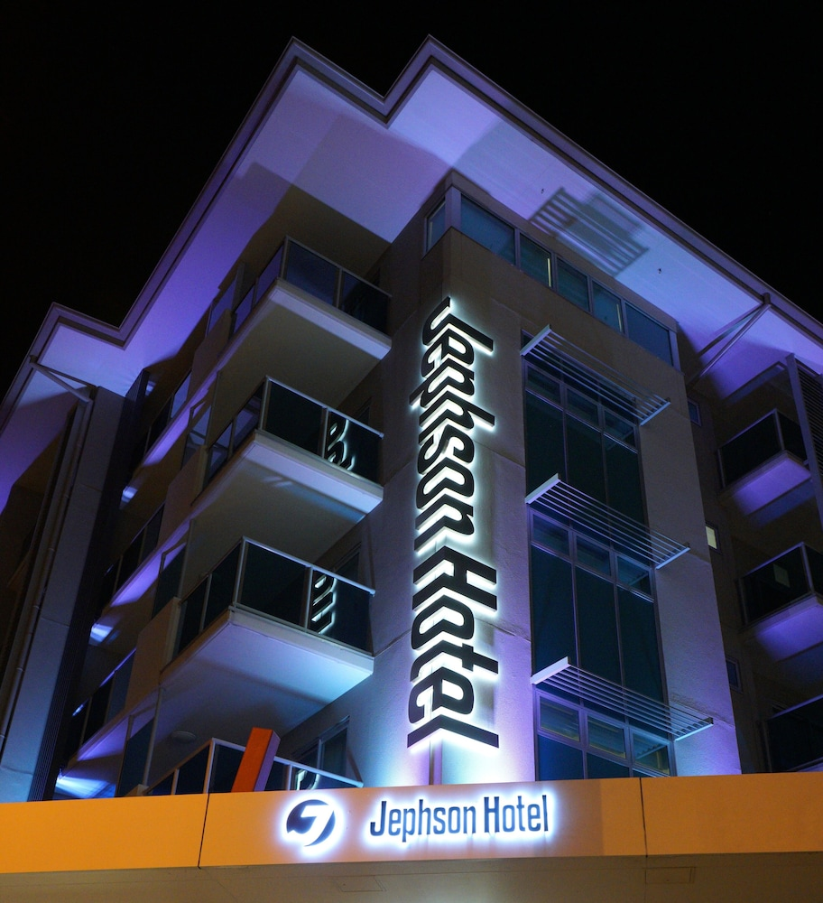 Jephson Hotel & Apartments
