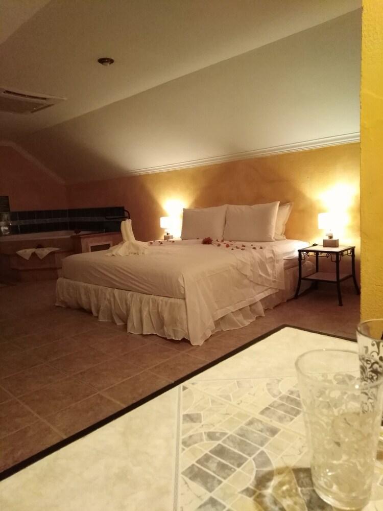 Buganvilla Executive Suites 340