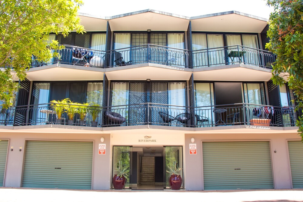 Riverpark Studio Apartment