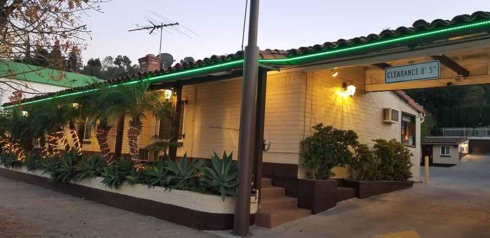 Gallery image of El Patio Inn