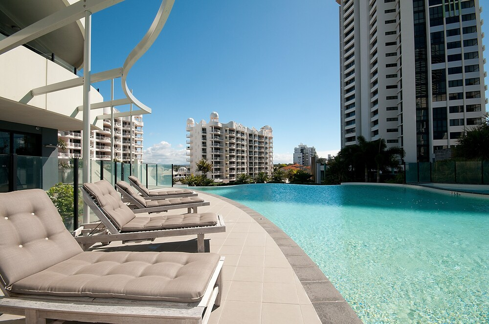 Wave Apartments Broadbeach