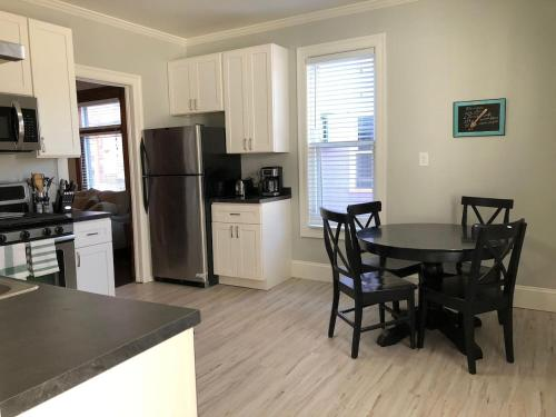 Private Two Bedroom in Midtown