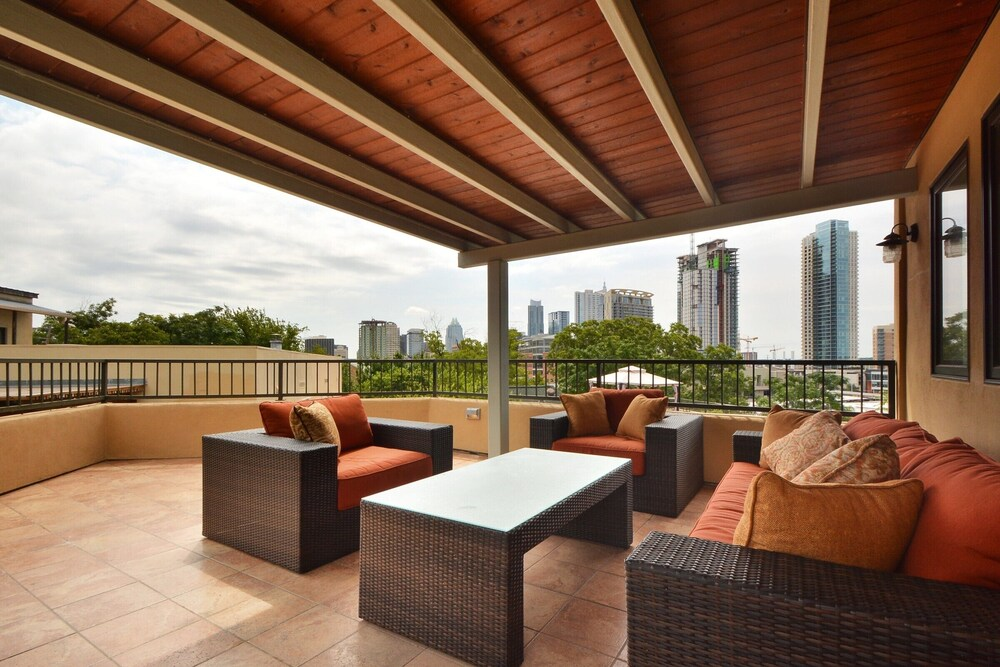 W 6th St Penthouse with City Views by RedAwning