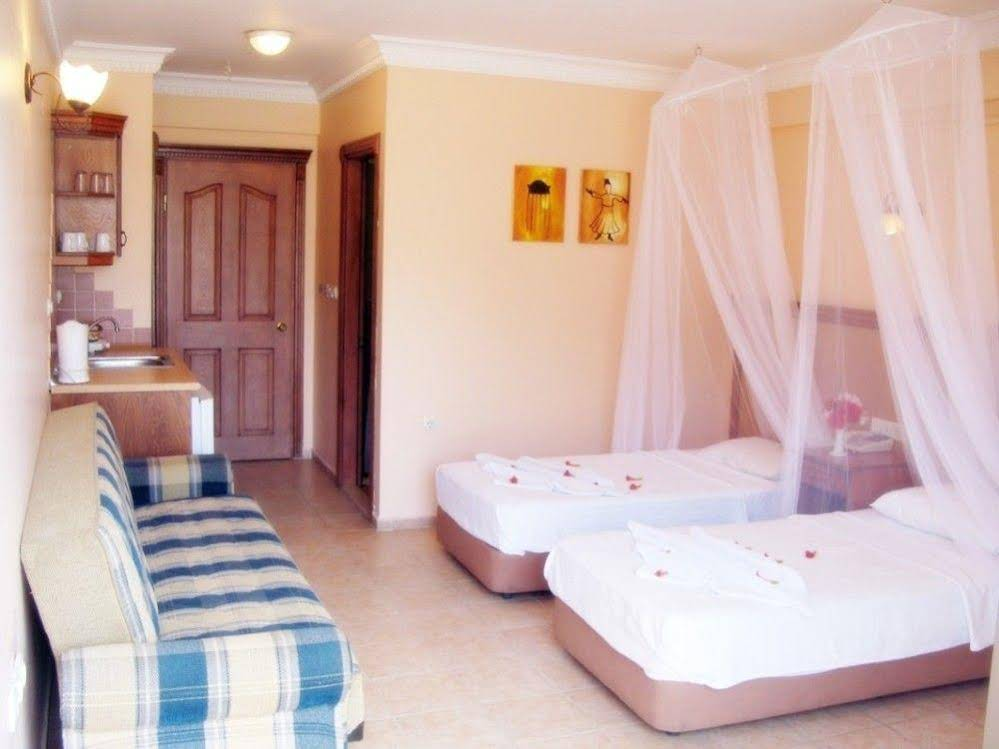 Gallery image of Rosy Suites Hotel