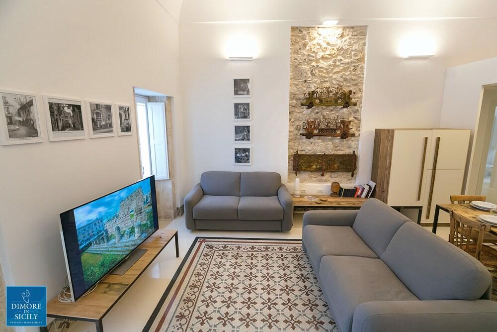 Dione Apartments Ortigia