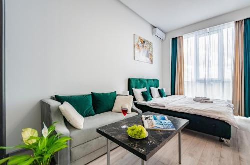 Smart Apartment near Railway Station on 25 floor Kvartet 3C
