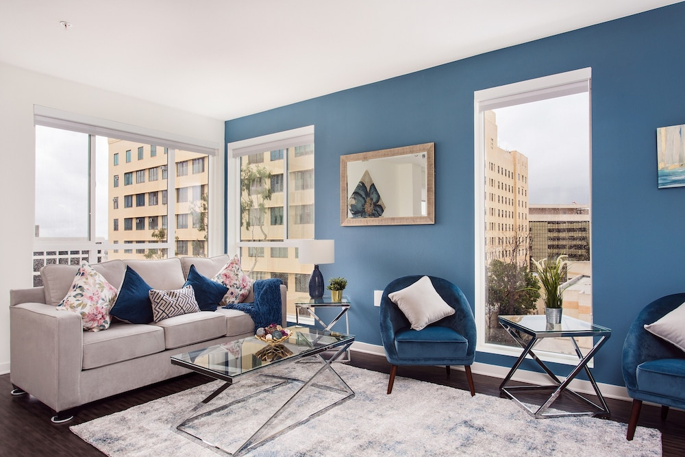 New Downtown LA Luxury Jr. Penthouse