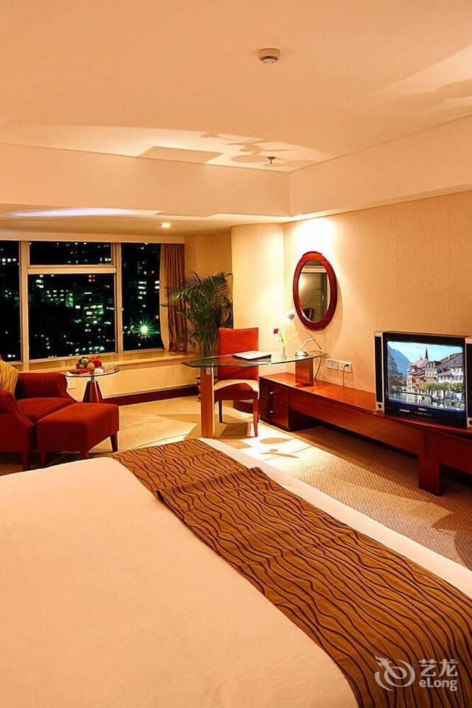 Shifeng International Holiday Hotel