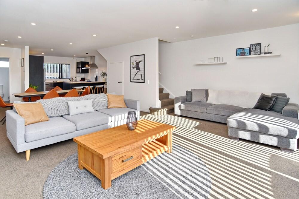 Parlane Apartments Christchurch Holiday Homes