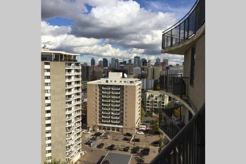 Edmonton NW 118 St Apartment