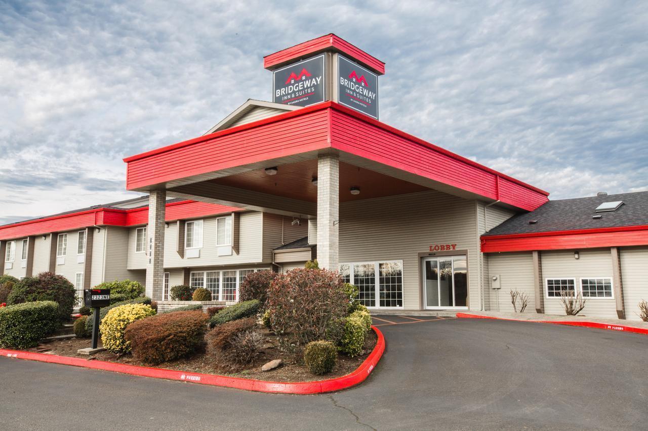 Gallery image of Bridgeway Inn & Suites Portland Airport