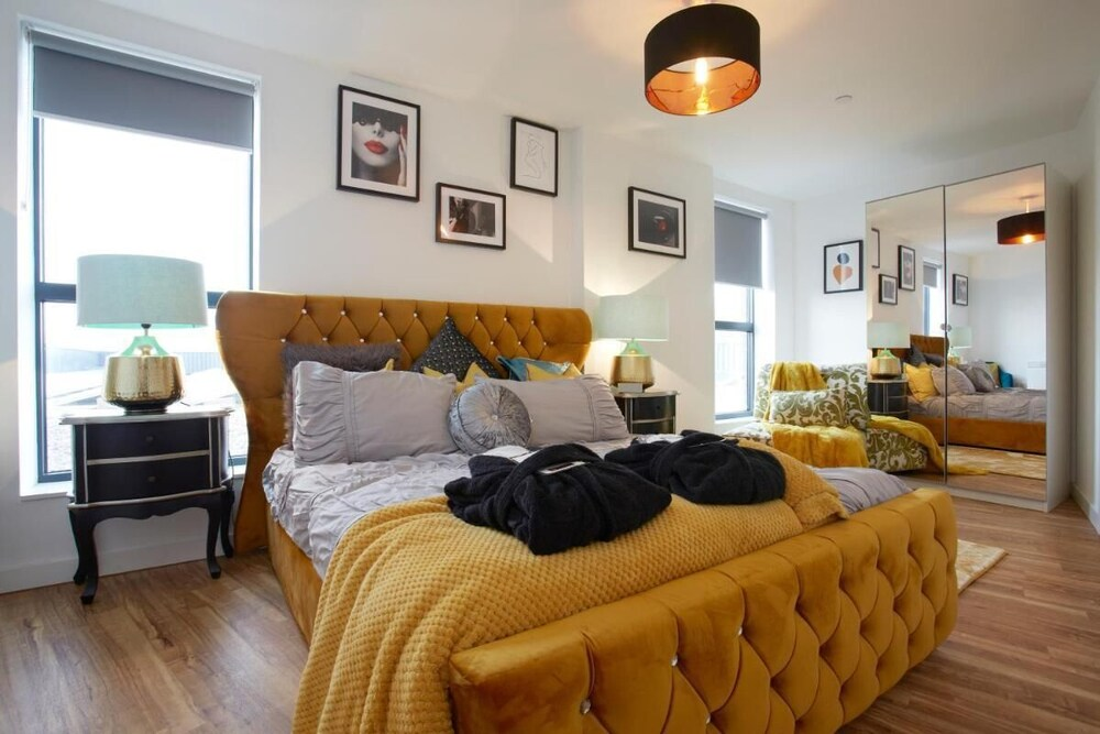 The Chad Leeds Luxury Stunning Contemporary Apartment With Free Parking