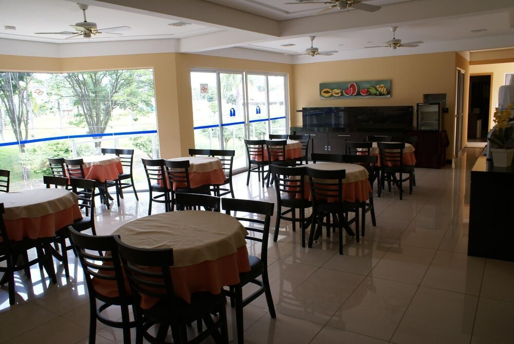 Gallery image of Cristal Palace Inn