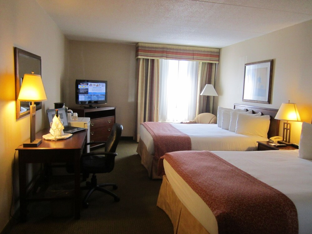 Gallery image of Red Pine Inn & Conference Centre