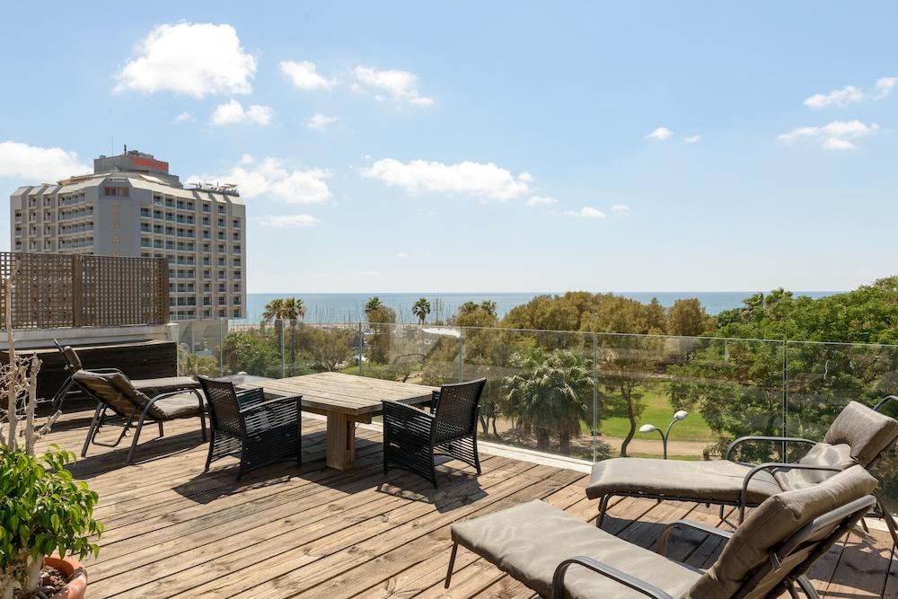 Luxurious Hilton Beach 2BR Suite Parking
