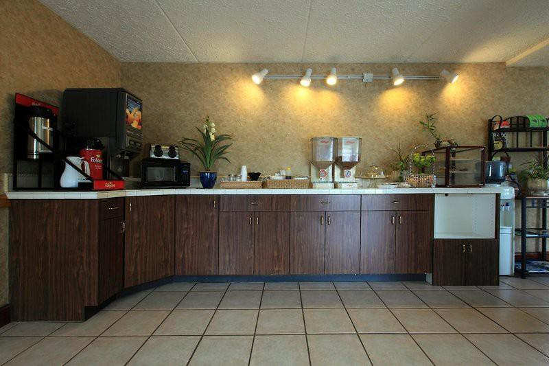 Gallery image of Americas Best Value Inn North Capital