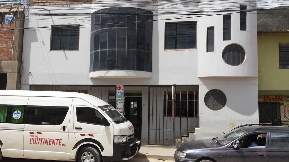 Gallery image of Hostal y Restaurante Business Rosh