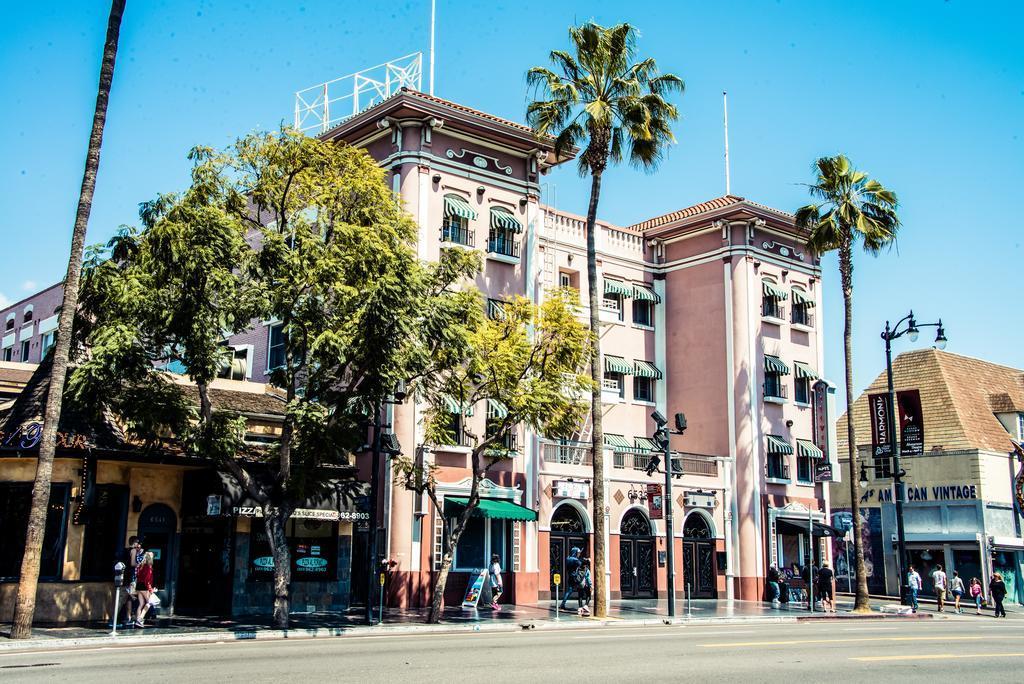 Hollywood Boulevard Studio Apartment