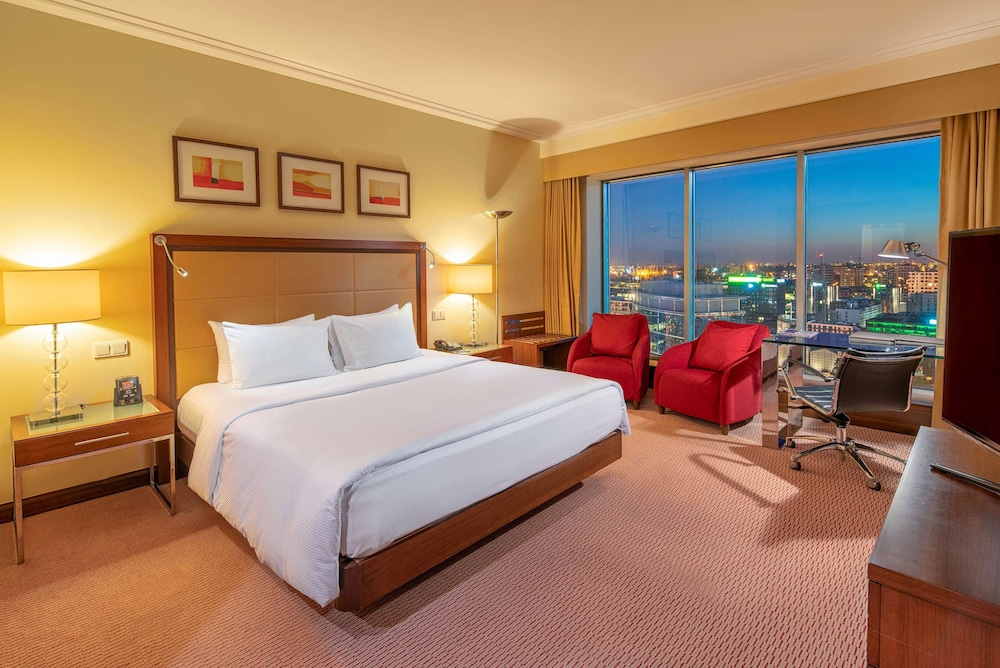 Hilton Warsaw Hotel & Convention Centre