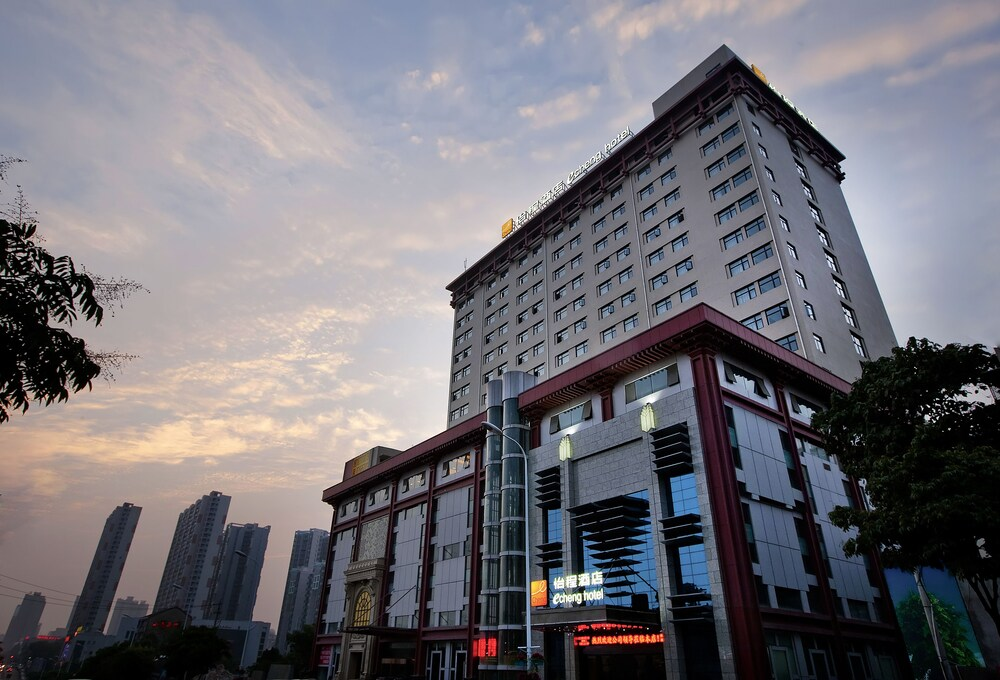 Echeng Hotel