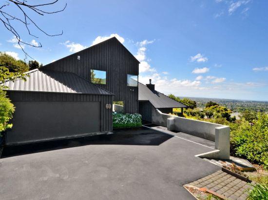 Black Beauty Hilltop Paradise House