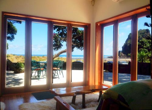 A Beach House at Piha Ocean Front