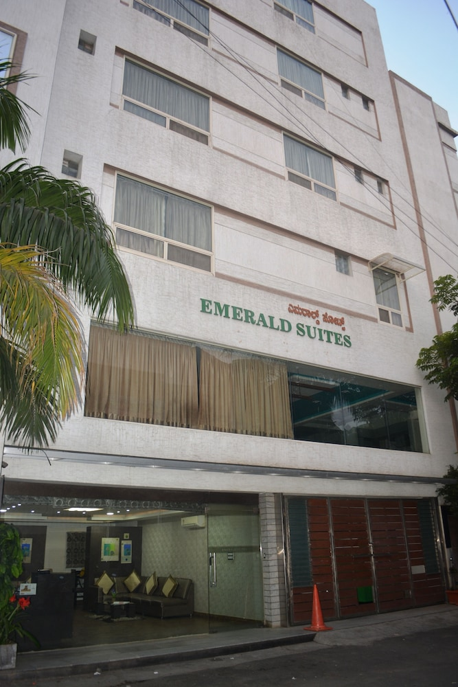 Emerald Suites by Kallate