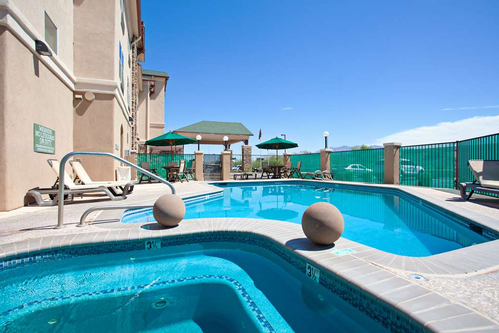 Gallery image of Country Inn & Suites by Radisson Tucson City Center AZ