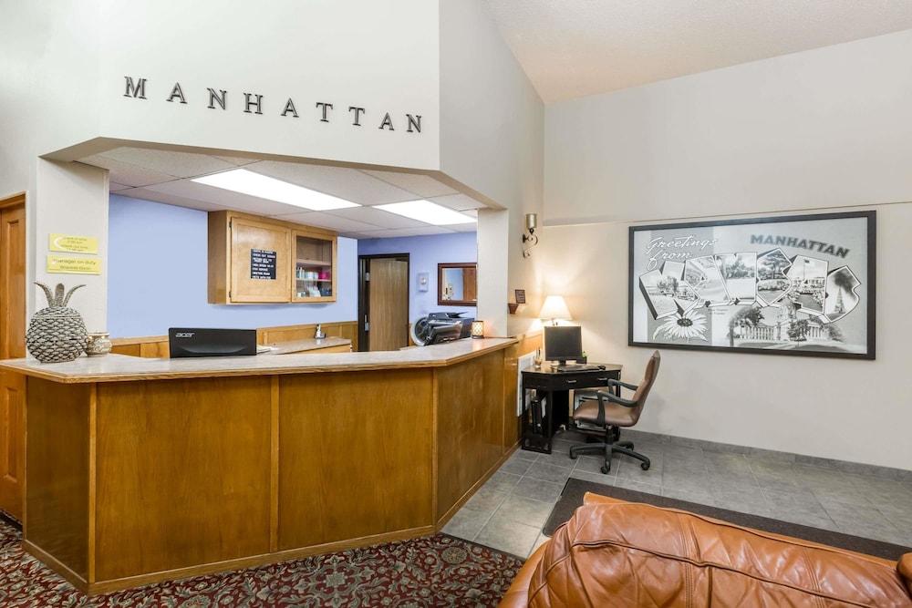 Gallery image of Super 8 by Wyndham Manhattan KS