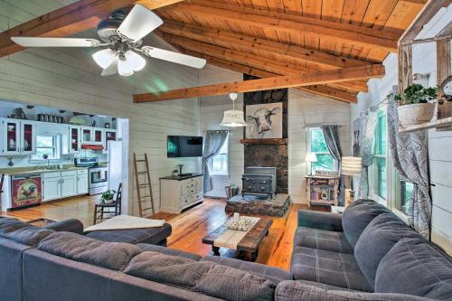 Luxurious Cabin with Mini Farm Near Helen