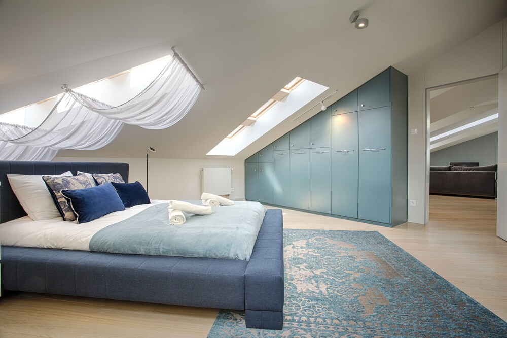 Tyzenhauz Apartments Superior