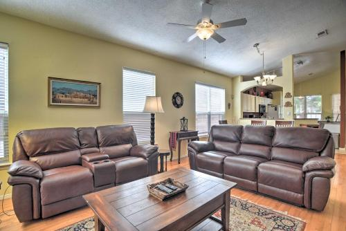 Nice Family Home with Sunroom 12 Mi to Old Town