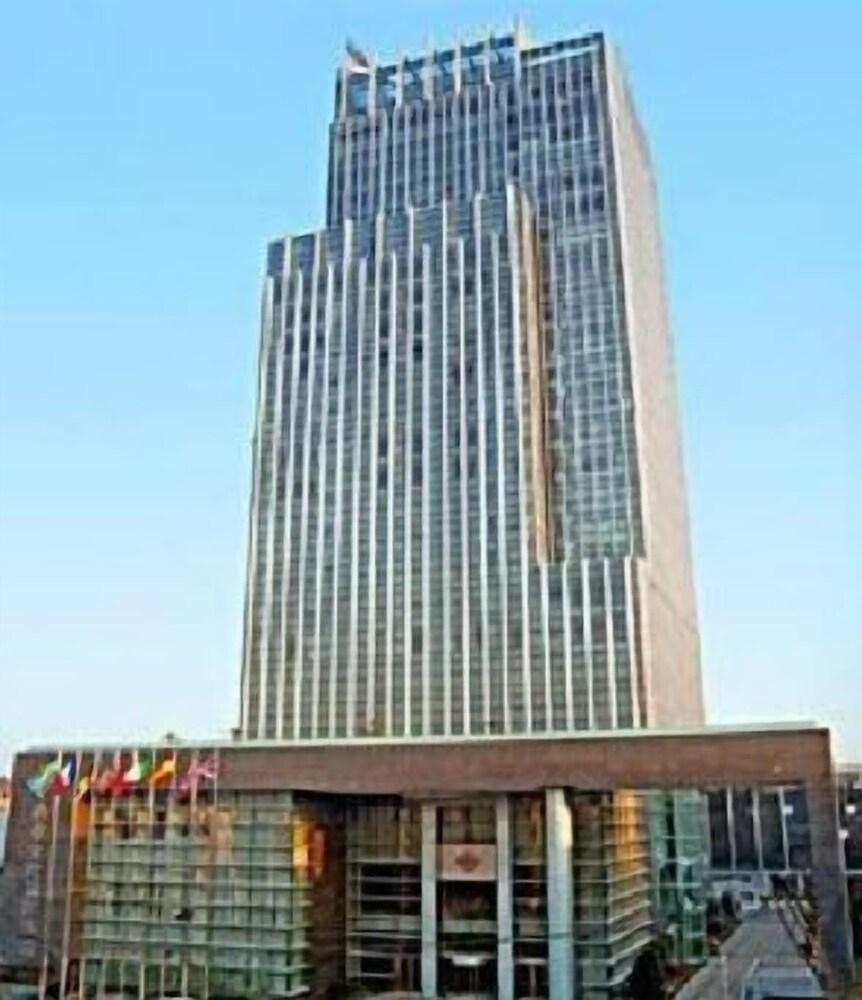 Nanjing New Century Hotel
