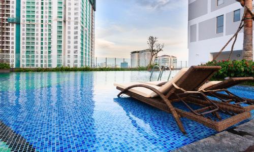 Chau Apartments