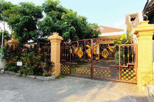 Gembiraloka Guesthouse