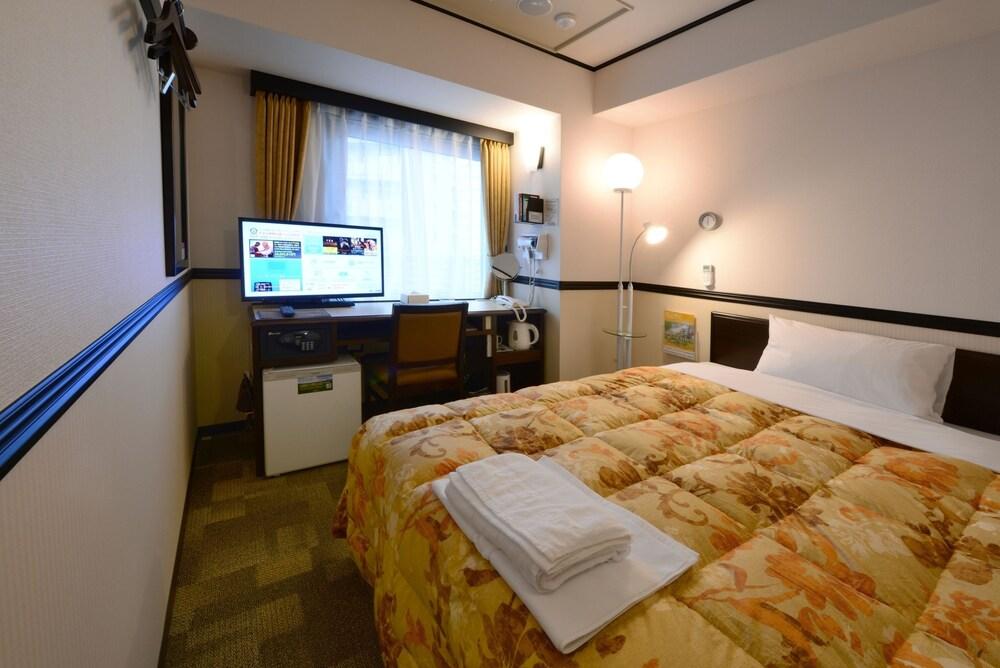 Gallery image of Toyoko Inn Kagoshima chuo eki Nishi guchi