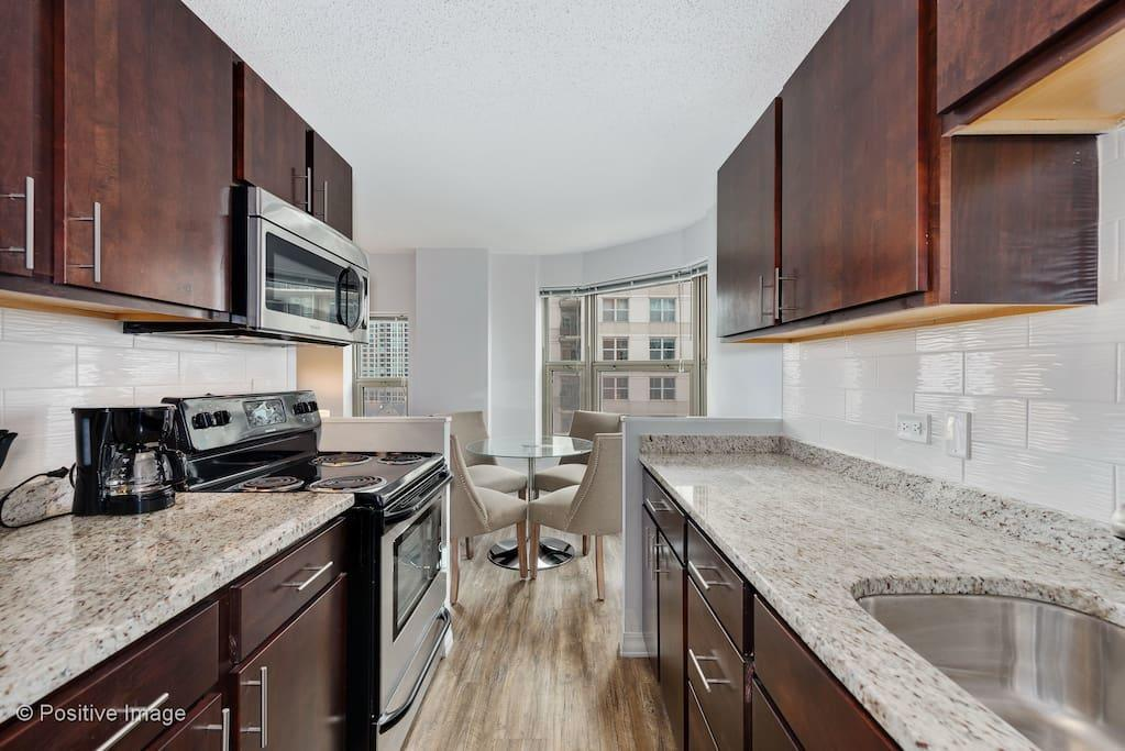 New Upscale 2br in Gold Coast