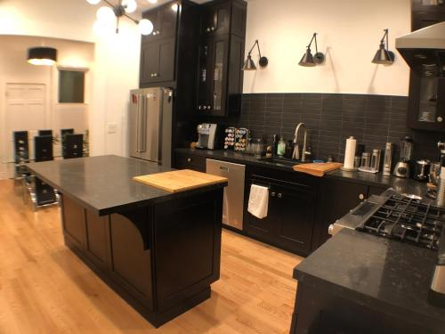 3BR 2BA Remodeled flat in Heart of Castro