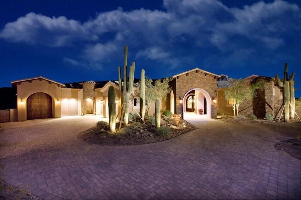 Bella Estate By Signature Vacation Rentals