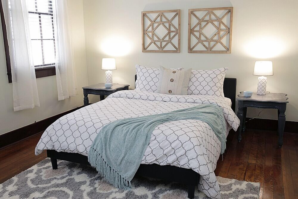 Large 2Br In Warehouse District Heart Of Nola