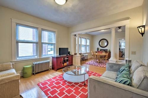 Newly Renovated Apt 1 Mi from Downtown Providence