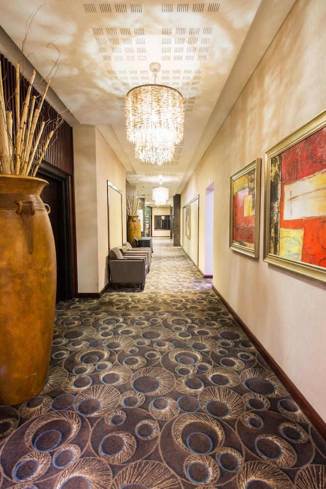 Premier Hotel O.R. Tambo