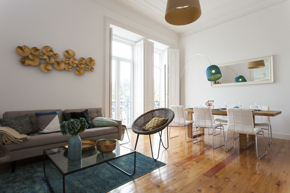 Rato Luxurious by Homing