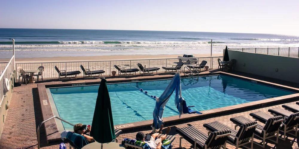 Gallery image of Atlantic Ocean Palm Inn